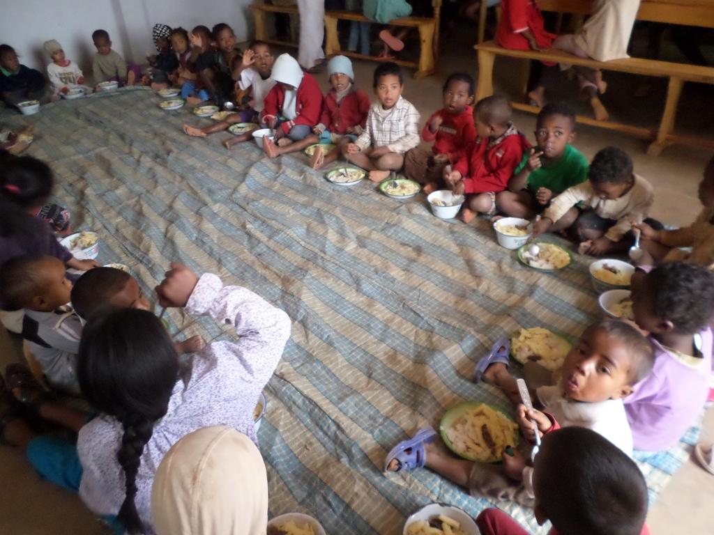 Bambini nella mensa