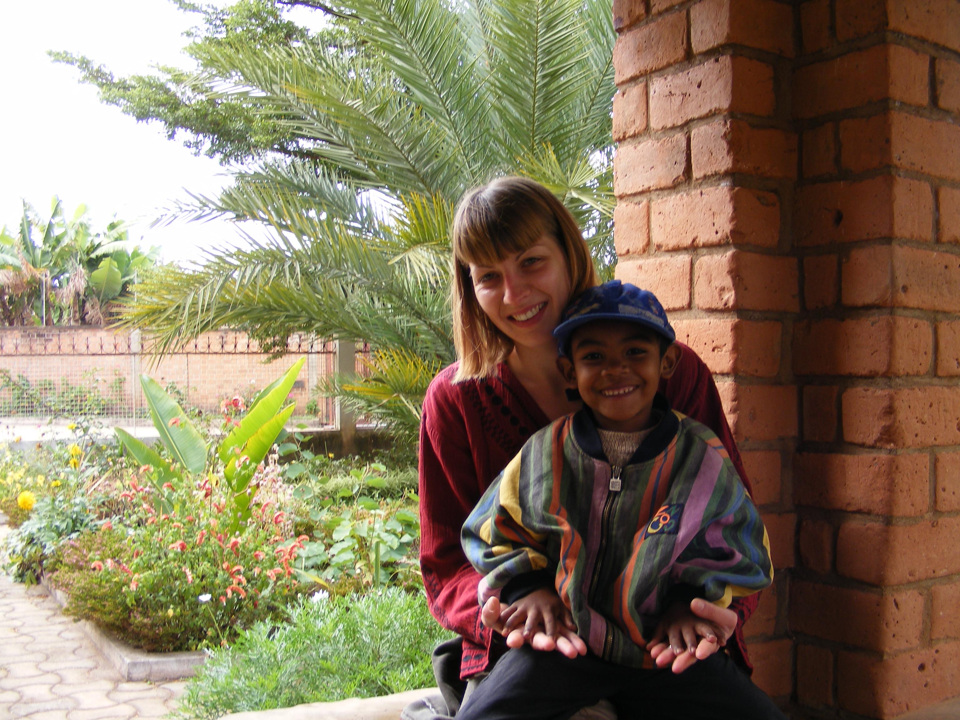 La nostra volontaria Clelia, in visita alle missioni del Madagascar (2008)