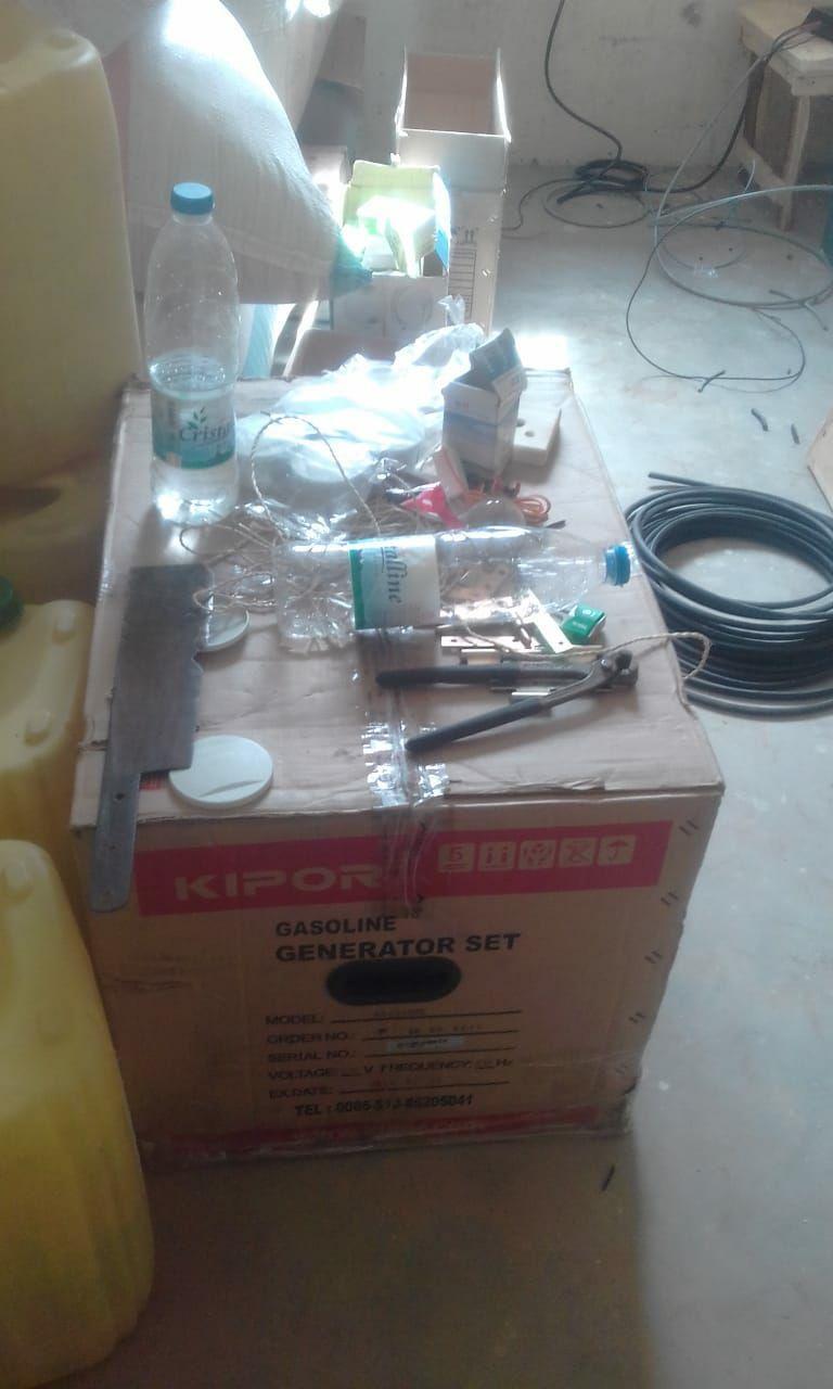 A Bekopaka non c'è corrente, dunque le suore si sono dotate di un pannello fotovoltaico e di un gruppo elettrogeno.