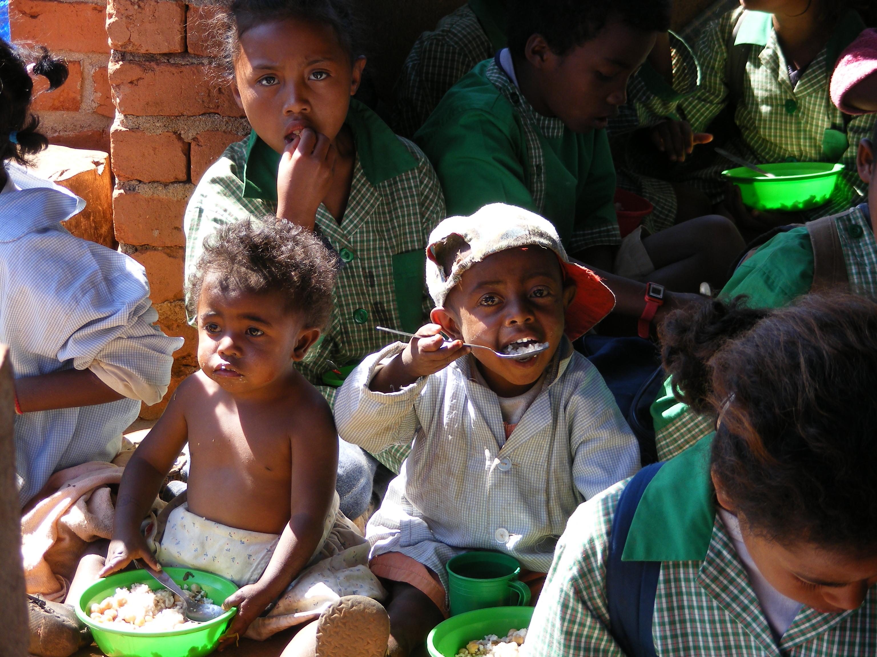 La mensa per i bambini di Antanavao (Madagascar, 2008)