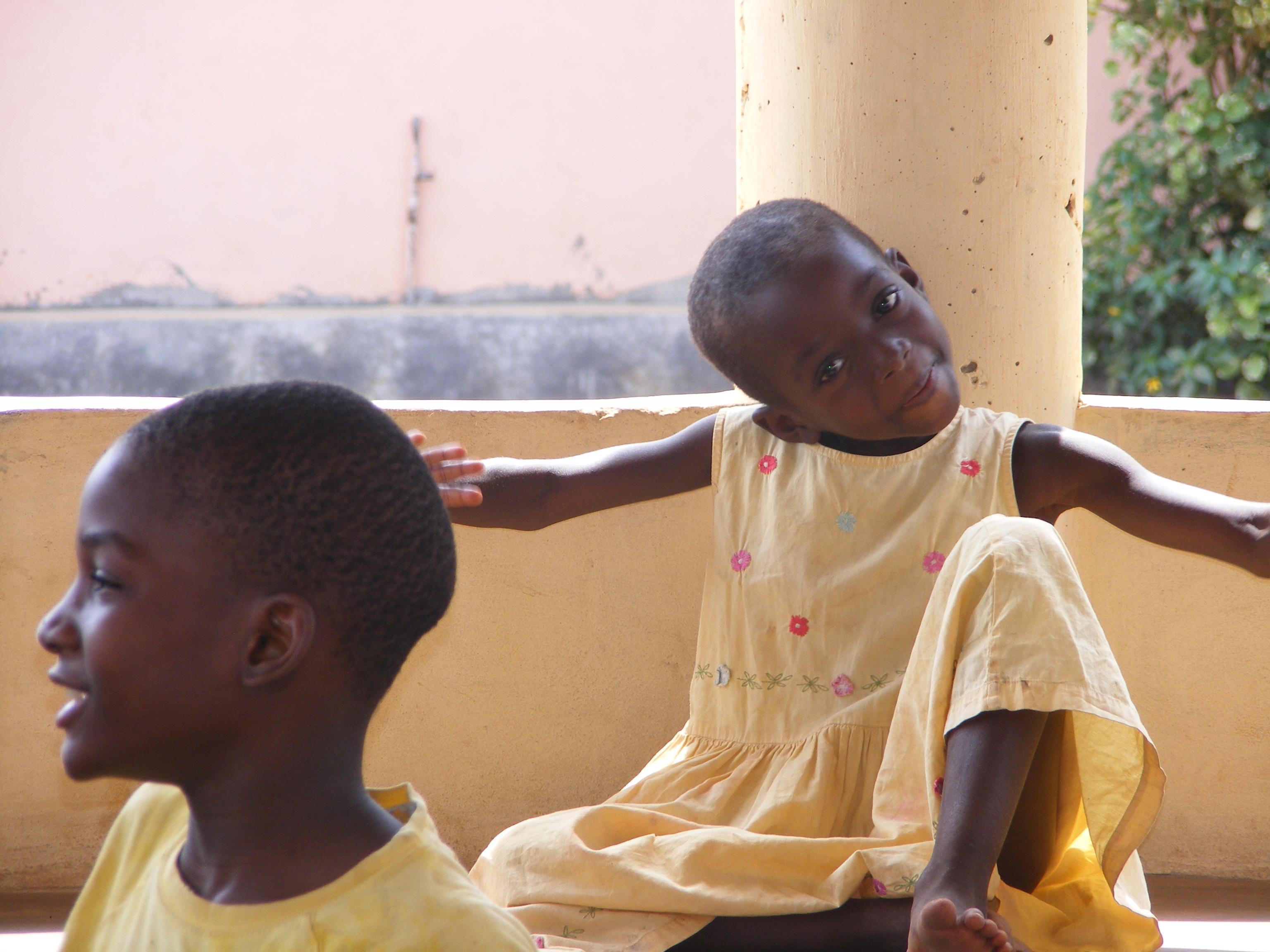 Una bambina nell'orfanotrofio di Dagletà (Benin, Febbraio 2014)